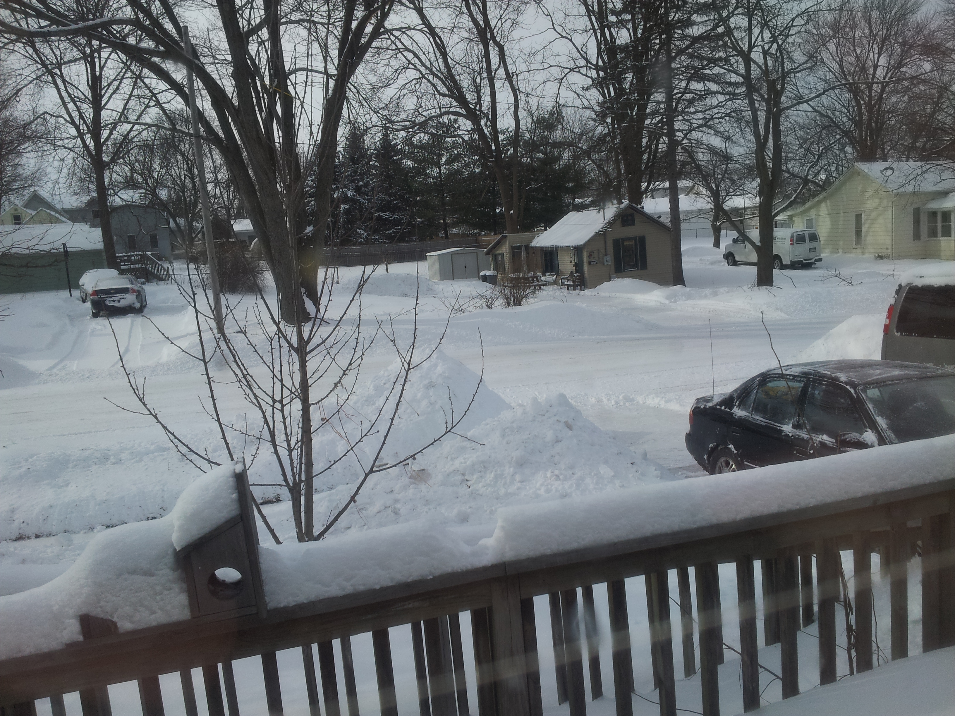20140127 snowy street
